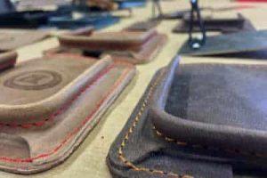 detal_leather