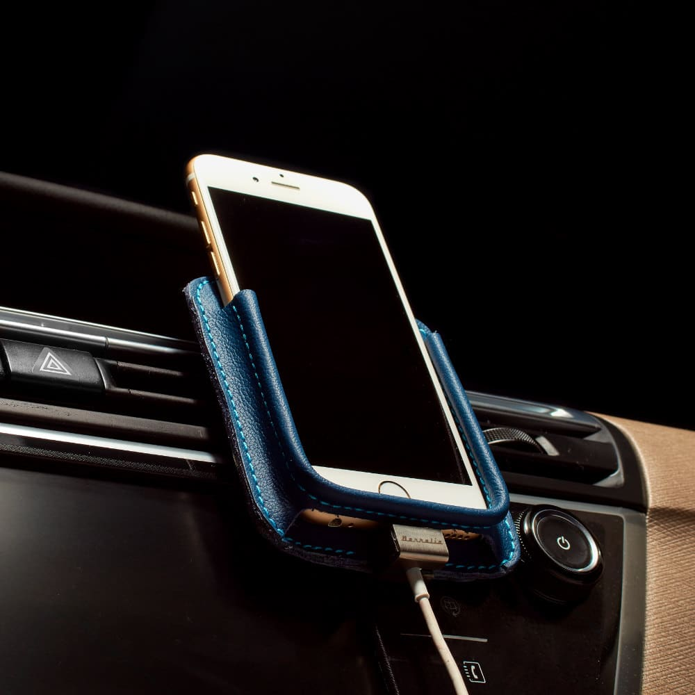 Berrolia car holder for iPhone Xs Max, iPhone Xr, iPhone 8/7 plus - Ocean Blue